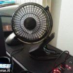 Mini ventilatore appoggiato su PC