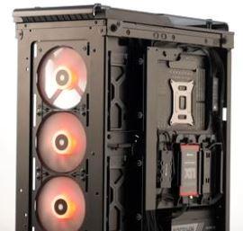Montaggio dispositivi SSD case Corsair