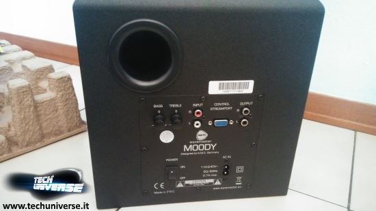 Retro subwoofer degli altoparlanti Wavemaster bluetooth 2.1