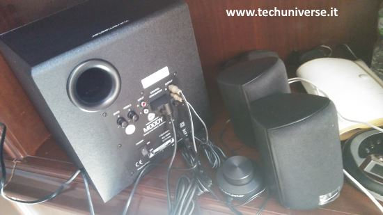Test con TV e lettore CD portatile altoparlanti bluetooth