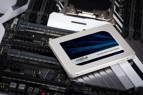 Crucial MX500 1TB SSD su scheda madre