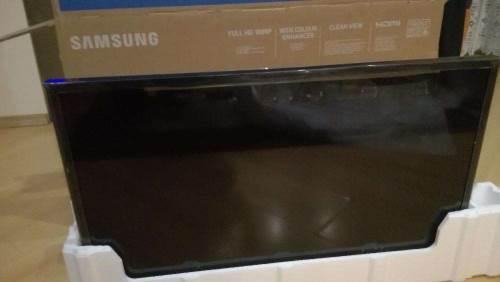 Samsung UE32M5002AK unboxing