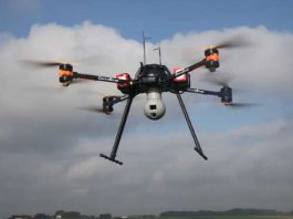 Drone civile AltiGator OnyxStar Fox-C8 XT in volo