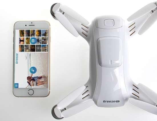 Yuneec Breeze pilotaggio drone da telefono cellulare