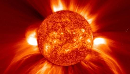 Sole - Espulsione di massa coronale